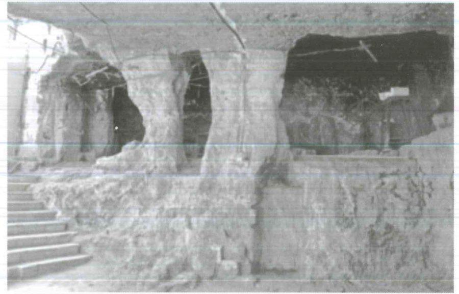 Fig. 27.1. Unquarried pillar to support the rock-cut church in Dayr al-Ganadla. Courtesy of St. Mark Foundation, 2011.